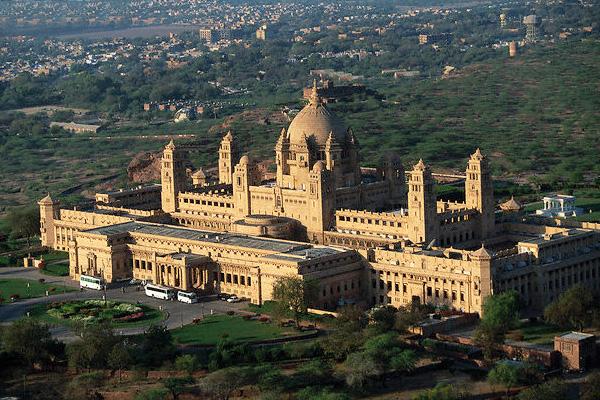 Umaid-bhawan-palace._jodhpur_rajasthan_india