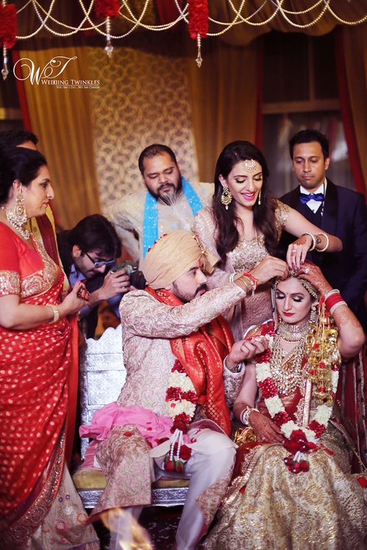 Akriti kakkar wedding pictures