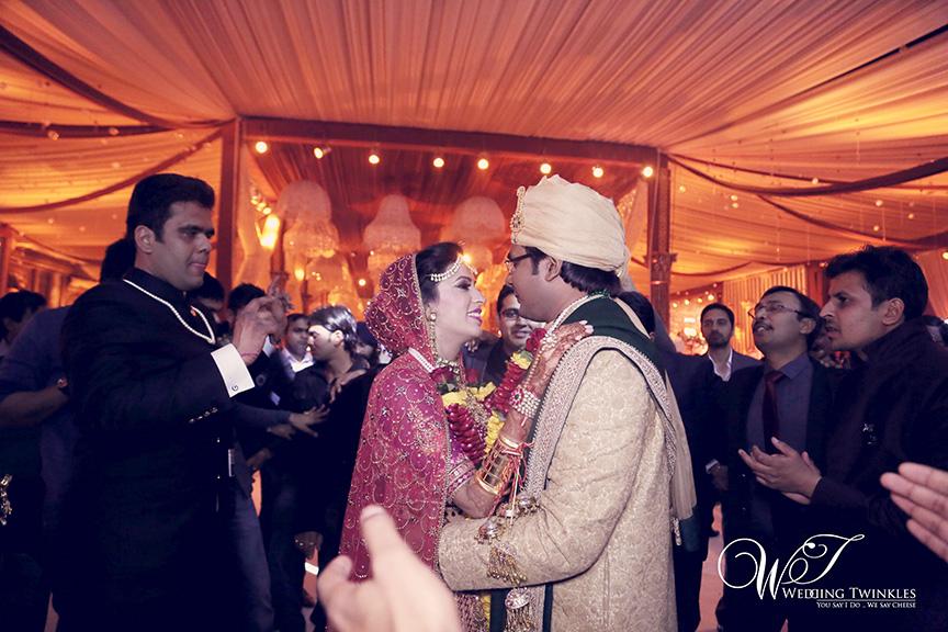 candid wedding photography-29