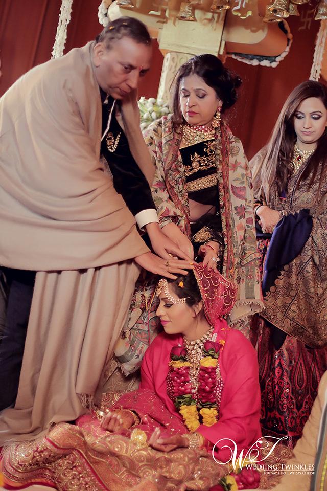 candid wedding photography-34
