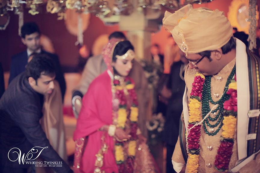 candid wedding photography-37