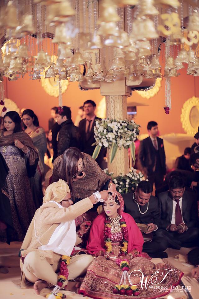 candid wedding photography-39