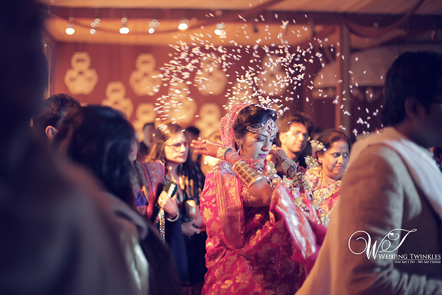 candid wedding photography-44