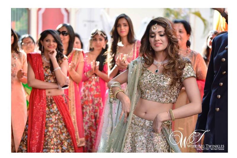 Mehndi Ceremony Dress For Bride : 8 perfect haldi ceremony dresses for brides wedding twinkles