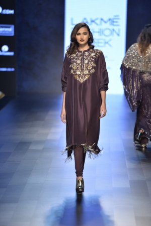 1.2 Payal Singhal's incredibly designed outfits