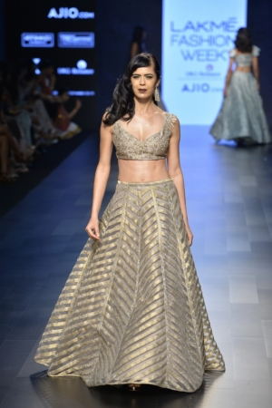 1.5 Payal Singhal's incredibly designed outfits
